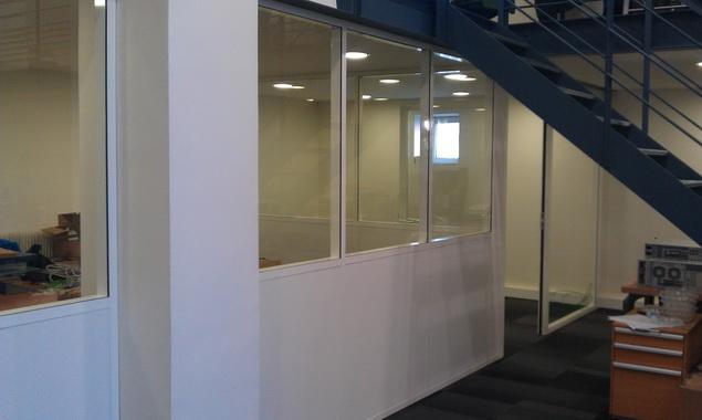 Cloison amovible modulaire de bureau am nagement de bureau - Cloison industrielle vitree ...
