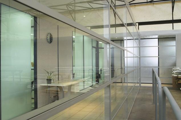 Am nagement cloison industrielle cloisons et cabines d for Cloison industrielle vitree
